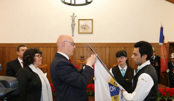 ESPROSER distinguida com a medalha de mérito pelo trabalho na formação e educação dos jovens
