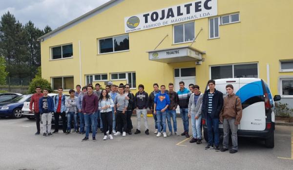 Alunos de Informática e Eletricidade visitam a TOJALTEC e INTERECYCLING, de Tondela